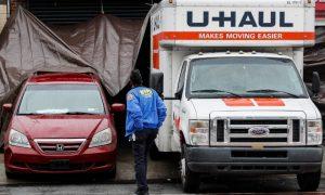 Hallan decenas de cadáveres en camiones de mudanzas en Brooklyn