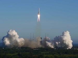 Lanza China nueva nave espacial