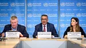 Preocupa a OMS la percepción de la gente de que la pandemia ya terminó