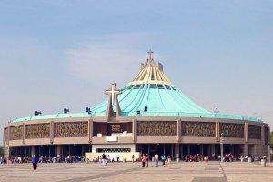 Desinfectan Basílica y Catedral para la reapertura