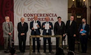 Firman México, ONU y OMS, convenio para adquirir medicamentos