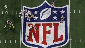 Espectacular duelo en playoffs de NFL
