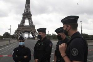 Desalojan Torre Eiffel por amenaza de bomba
