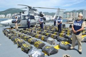 Localiza la Marina casi 2 toneladas de cocaína flotando en el mar
