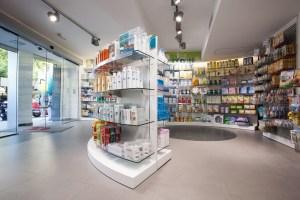 Farmacias podrían vender vacuna de Pfizer en México a mediados de año