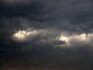 Mueren 27 en India alcanzados por rayos
