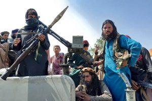 Presidente que huyó de Afganistán, estaría buscando regresar