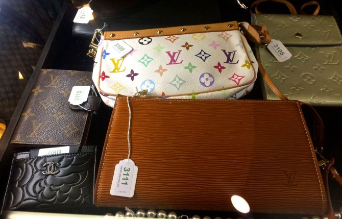 Vintage sale in Geneva Switzerland01