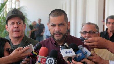 """Omar Prieto ordena """"cierre absoluto"""" de licorerías durante semana de cuarentena radical"""