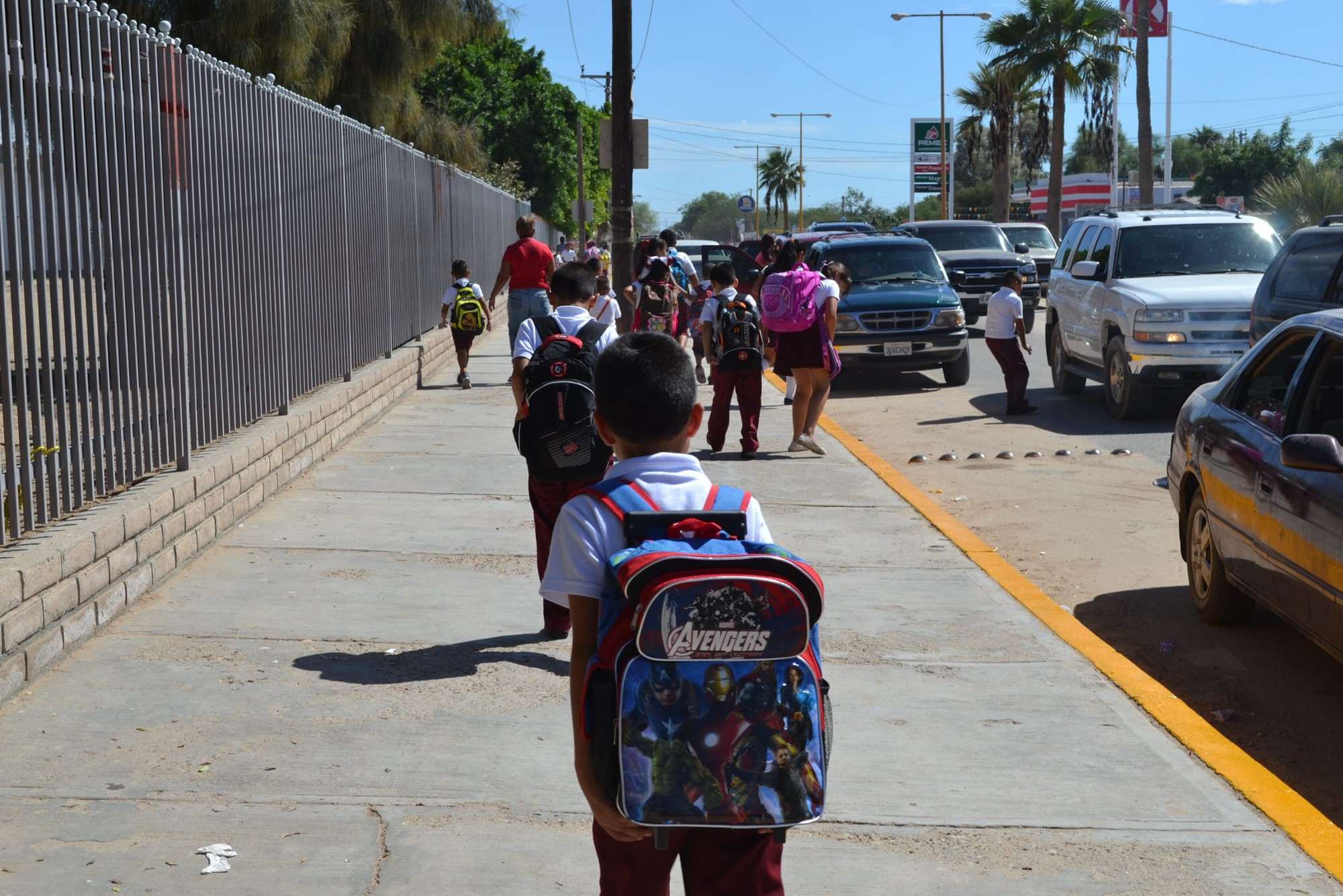 Regresan más de 600 mil estudiantes a clases