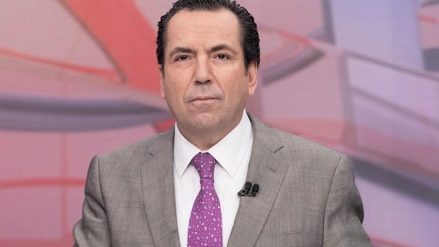 Eduardo Salazar es periodista titular en Foro TV y es conocido popularmente como Lalo Salazar