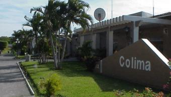 Aeropuerto de Colima reanuda operaciones tras cierre por caída de ceniza