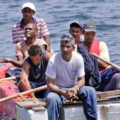Cuba recibirá a sus compatriotas tras fin de la política migratoria