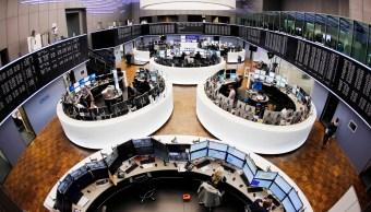 Vista del piso de remates de la Bolsa de Frankfurt (AP)