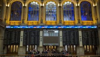 Vista del piso de remates de la Bolsa de Valores de Madrid (Getty Images)