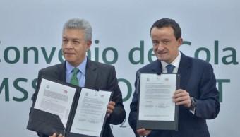 David Penchyna, director del Infonavit y Mikel Arriola, director del IMSS, en el marco de la firma de convenio de colaboración (Twitter: @davidpenchyna)