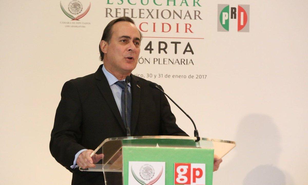 El presidente del CCE, Juan Pablo Castañón, durante su participación en la Cuarta Reunión Plenaria de Diputados del PRI (Twitter: @jpcastanon)