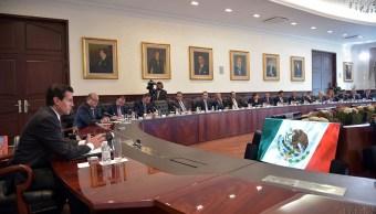 El presidente peña Nieto se reunió por cuatro horas con los gobernadores, en Los Pinos.