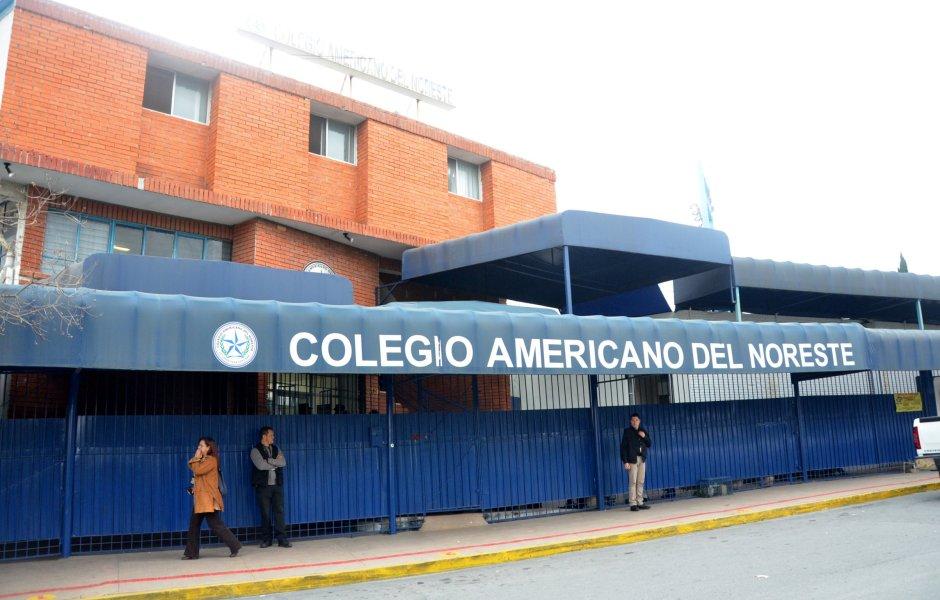 Fachada del Colegio Americano del Noreste en Monterrey, en donde una maestra y dos alumnos fueron agredidos a disparos. (Notimex)