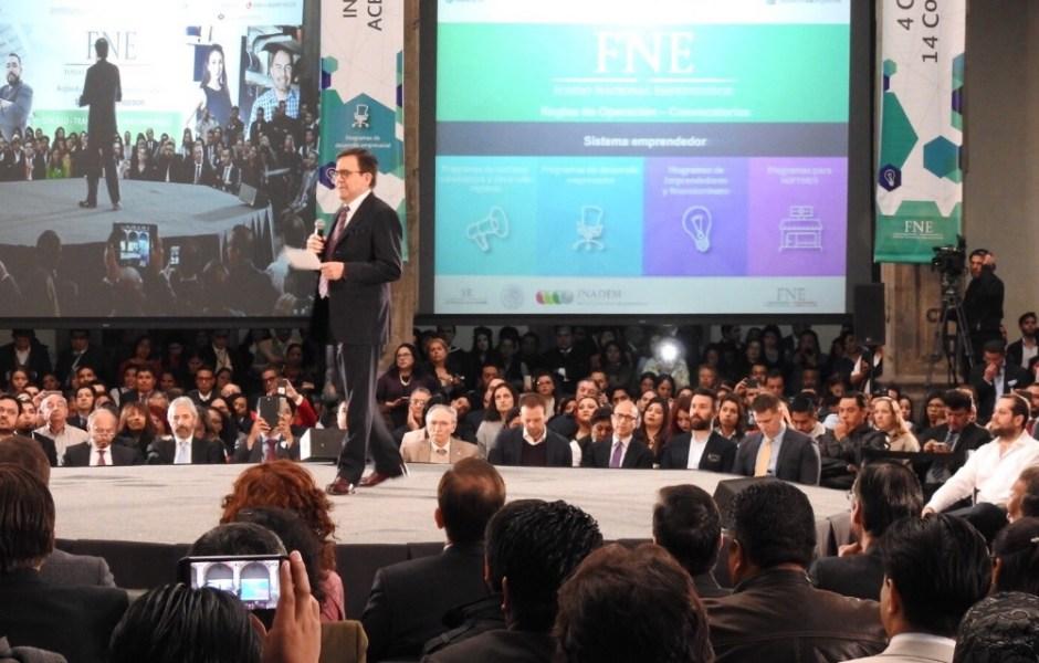 Tras participar en la presentación del Fondo de Emprendedores 2017, el secretario de Economía, Ildefonso Guajardo, subrayó que hasta ahora no hay cambios en las reglas comerciales entre México y EU.