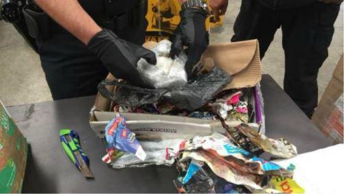 Policía Federal asegura metanfetamina en empresa paquetería de Tlaquepaque