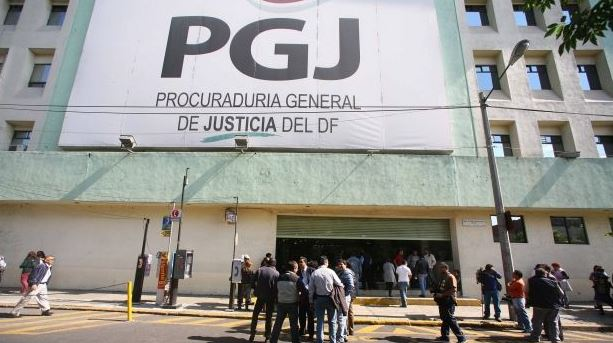 Investigan caída de limpiavidrios en edificio de la PGJ-CDMX