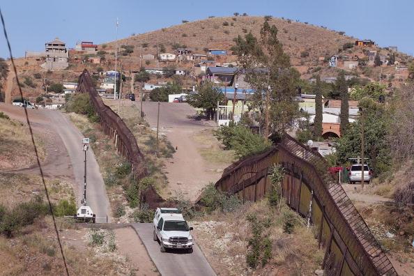 En México los migrantes deportados no saben a dónde ir, la mayoría no tiene dinero, otros dejaron a sus familias (Gettyimages/Archivo)