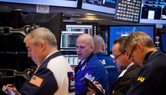 Operadores de Wall Street durante la apertura de sesión (Getty Images)