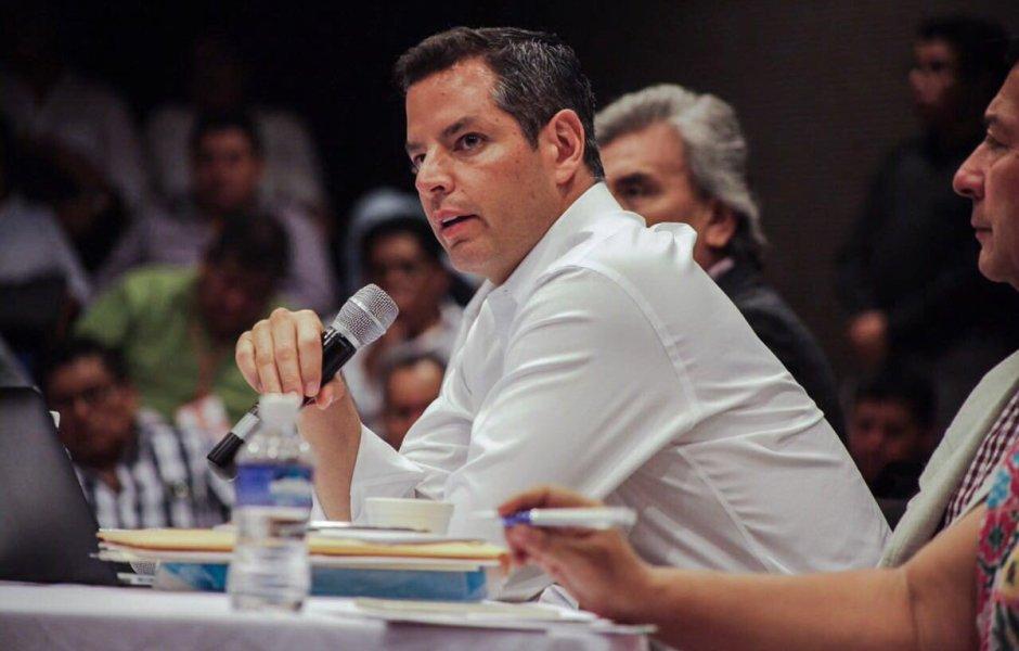 'Es muy claro, hay que hacer el examen de evaluación', pide el gobernador de Oaxaca, Alejandro Murat.
