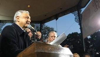 Andrés Manuel López Obrador se reunió con simpatizantes en la plaza Olvera del centro de Los Ángeles, California. (lopezobrador.org.mx)