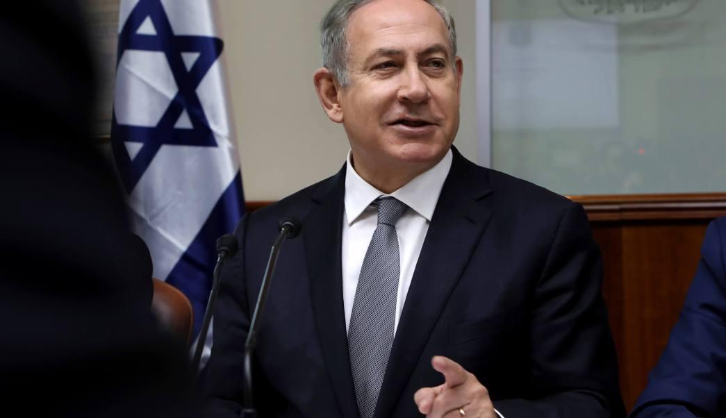 El primer ministro israelí, Benjamin Netanyahu, preside la reunión semanal del gabinete en Jerusalén el domingo 12 de febrero de 2017. (AP)