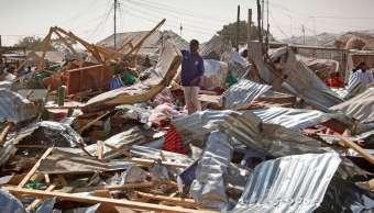 La fuerte explosión se produjo este mediodía cuando un gran número de personas se encontraba en este popular mercado situado en el distrito de Wadajir. (AP)