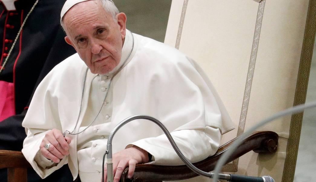 El papa Francisco asiste a una audiencia concedida a miembros de la Asociación de Trabajadores Sociales en el Vaticano. (AP)