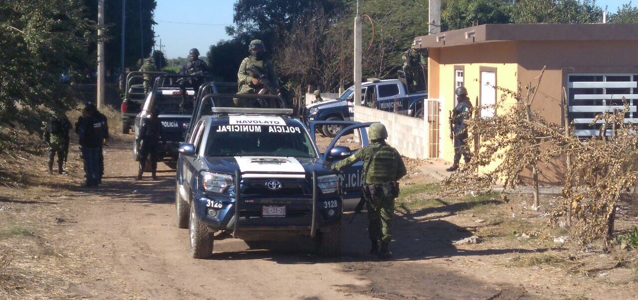 También aseguraron armamento y un vehículo tipo Tacoma, Modelo 2016 con reporte de robo de enero del presente año. (Noticieros Televisa)