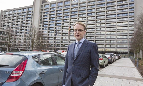 Jens Weidmann, presidente del Deutsche Bundesbank, posa frente a la sede del banco central alemán (Getty Images)