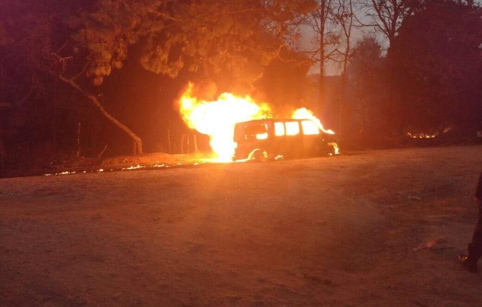 Camioneta que transportaba gasolina se incendia al norte de Cuernavaca, Morelos. (Noticieros Televisa).