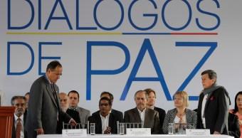 Colombia y el Ejército de Liberación Nacional (ELN) iniciaron negociaciones para lograr la paz.