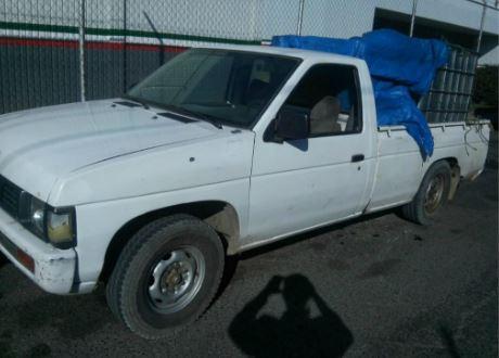 Uno de los decomisos se registró en terrenos de cultivo del ejido de Cuesta Blanca en Palmar de Bravo, donde elementos estatales detectaron tres camionetas con reporte de robo (Twitter @SSP_Puebla)