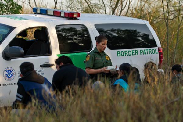 Con el endurecimiento de las políticas migratorias bajo la administración Obama, el sector de la construcción perdió medio millón de trabajadores de origen mexicano (Getty Images/Archivo)