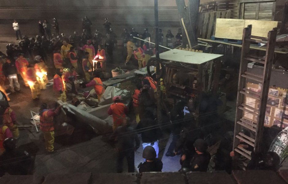 Desalojan plantón en la delegación Cuauhtémoc (Twitter @soycuauhtemoc)