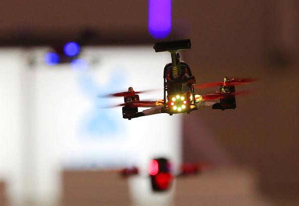 Drones participan en carrera en Moscú; en México sólo el 1 por ciento de esos dispositivos tienen un registro ante el Gobierno (Getty Images, archivo)