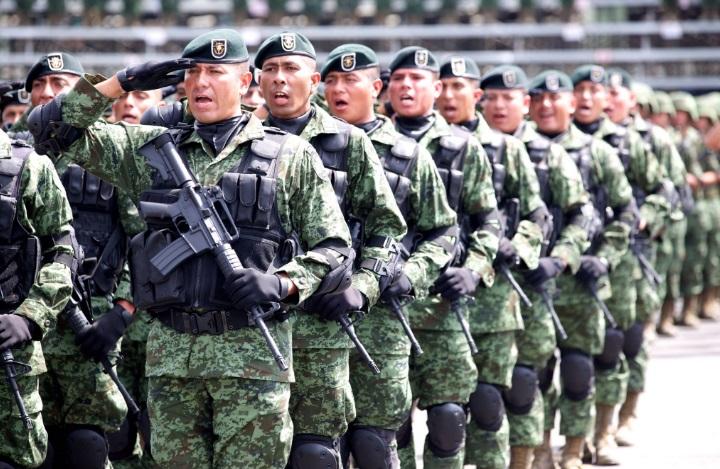 El presidente de México, Enrique Peña Nieto, reconoce la labor del Ejército en su 104 aniversario (Twitter @EPN)