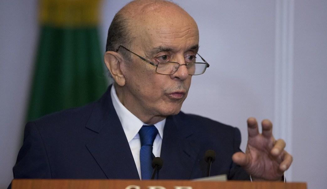 El canciller brasileño, José Serra, en diciembre se sometió a una cirugía en la columna vertebral.
