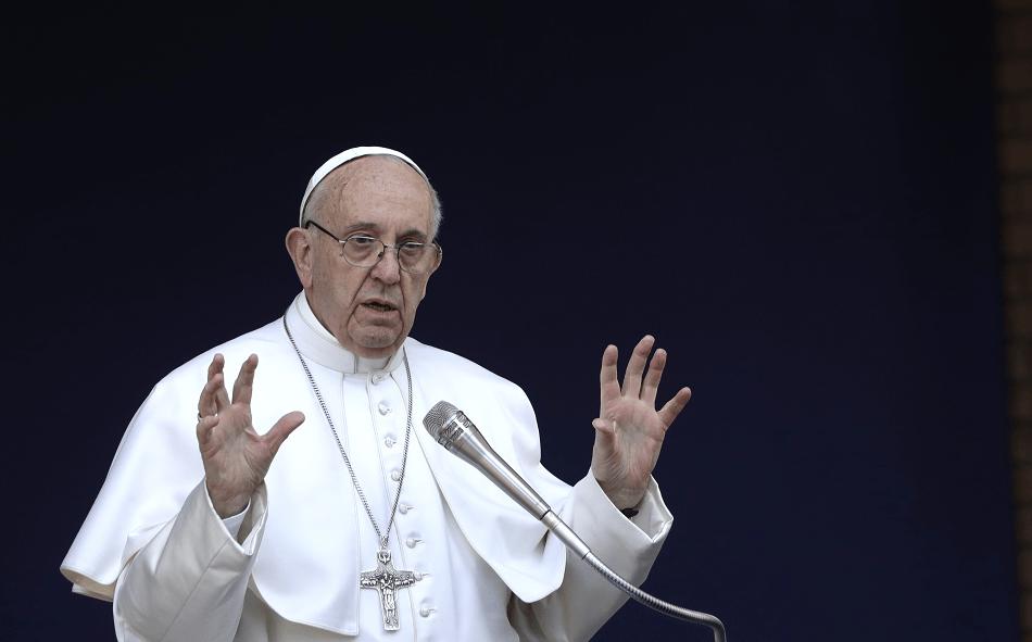 El papa Francisco pronuncia su discurso durante su visita a la Roma Tre University. (AP)