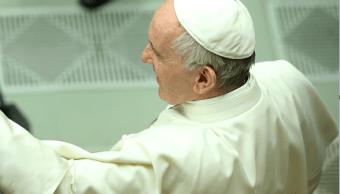 El papa Francisco saluda a los fieles en la Plaza de San Pedro, en el Vaticano. (Getty Images, archivo)