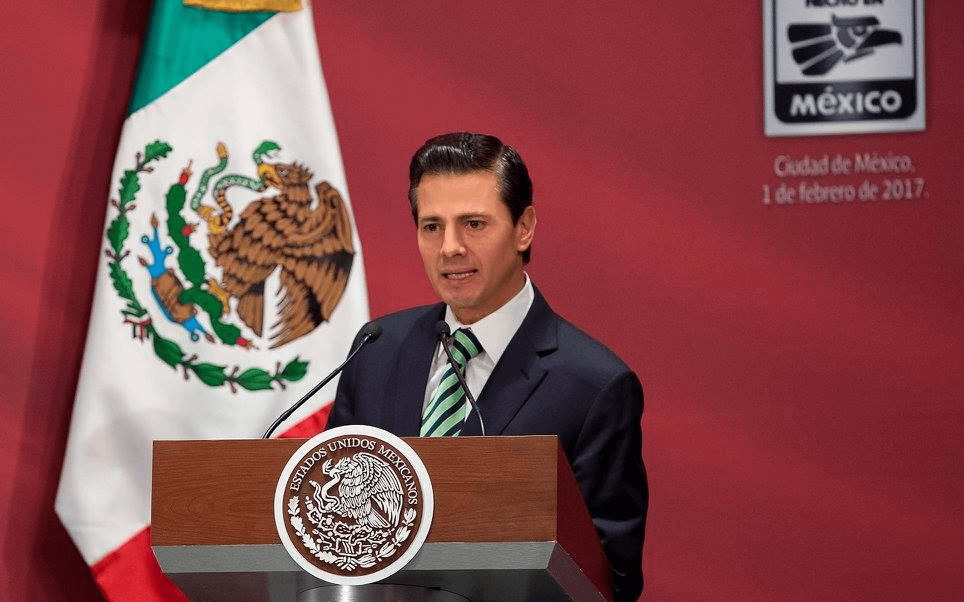 El presidente Enrique Peña Nieto sostuvo este miércoles un encuentro con empresarios y funcionarios. (Presidencia de la República)