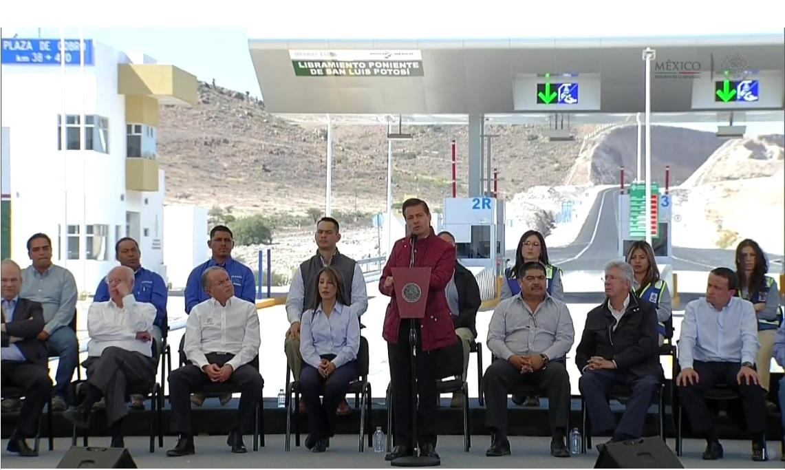 Reforma educativa transforma al país: Peña Nieto