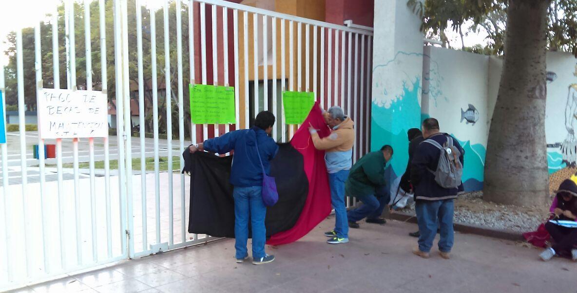 Estalla la huelga en la Universidad de Oaxaca (Noticieros Televisa)