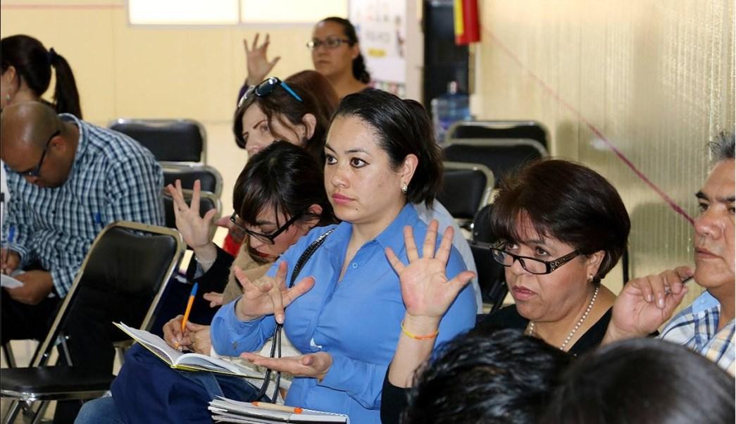 Personal del Gobierno de la Ciudad de México se capacita en lenguaje de señas; 20 funcionarios del Sistema Penitenciario de la CDMX mejorarán atención a internos sordomudos (Facebook-Indepedi CDMX)