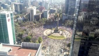 Autoridades capitalinas reportan sin incidentes la marcha de Unidad Nacional anti-Trump donde se congregaron en el Ángel de la Independencia (Twitter @SSP_CDMX)